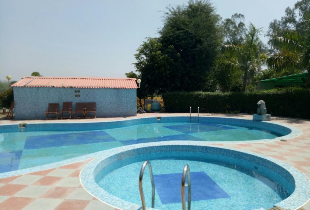 Swimming Pool Jungle Holiday Resort