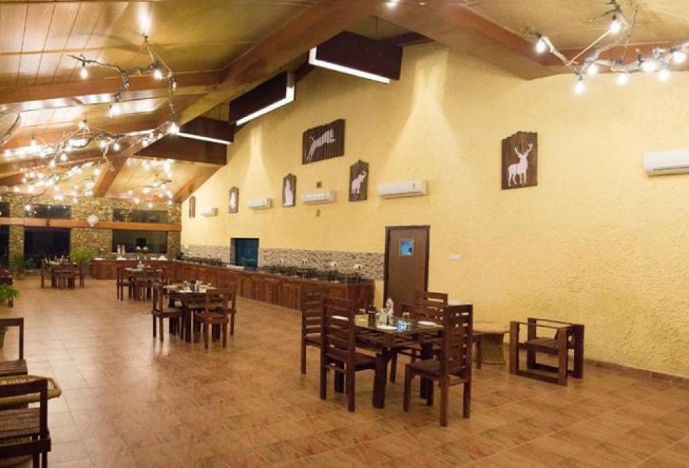 Restaurant the roar resort