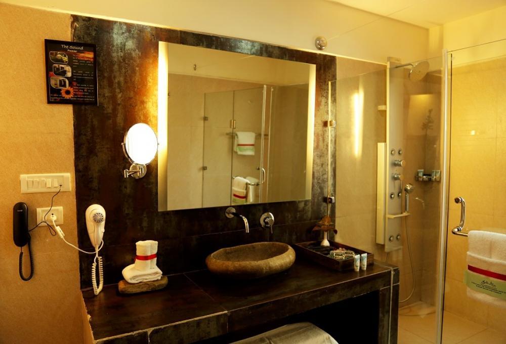 Washroom Solluna Resort