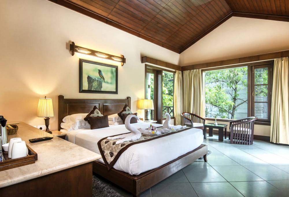 Villa Aahana Resort