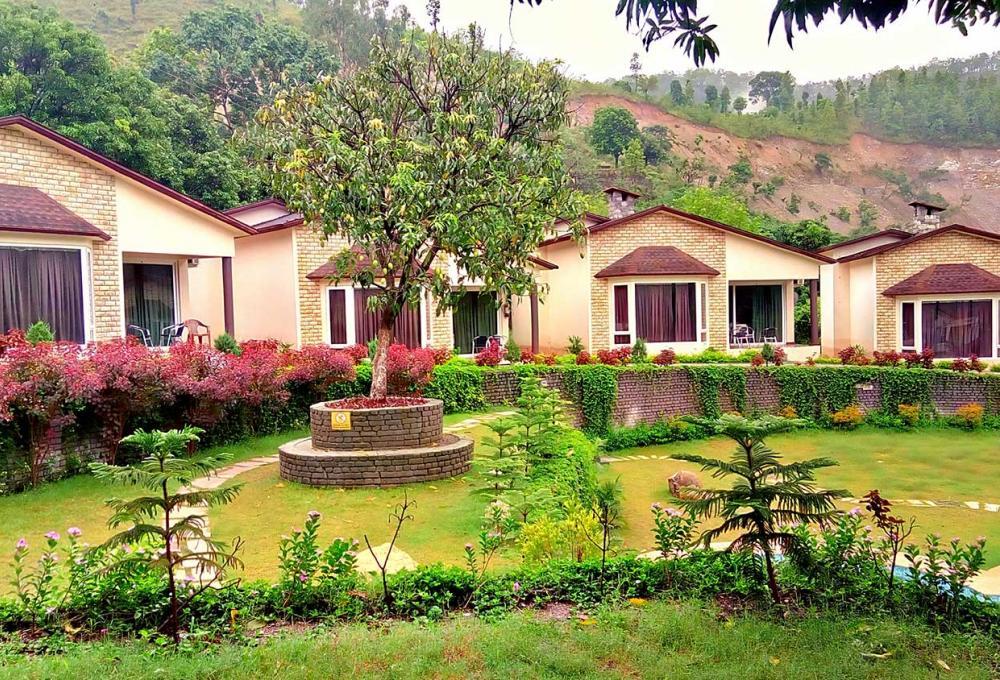 Fornt View La Tigre Resort Marchula
