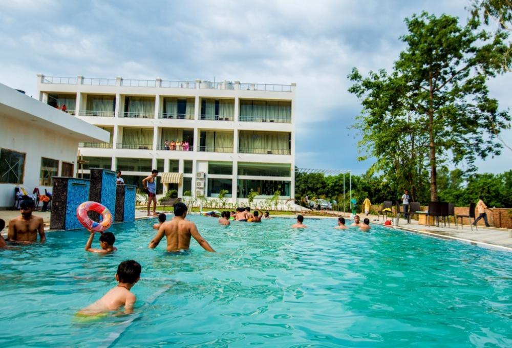 Swiming Pool Winsome Resort