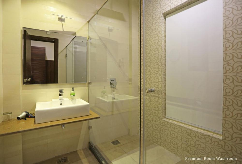 Premium Room Washroom Winsome Resort