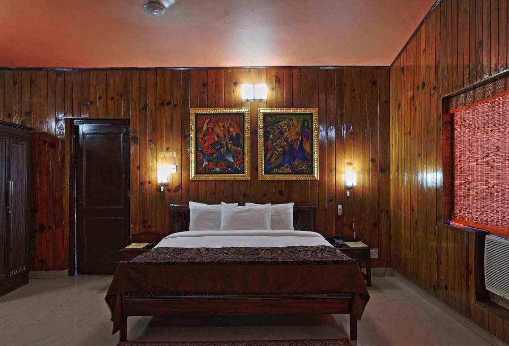 Corbett Riverside Resort In Jim Corbett