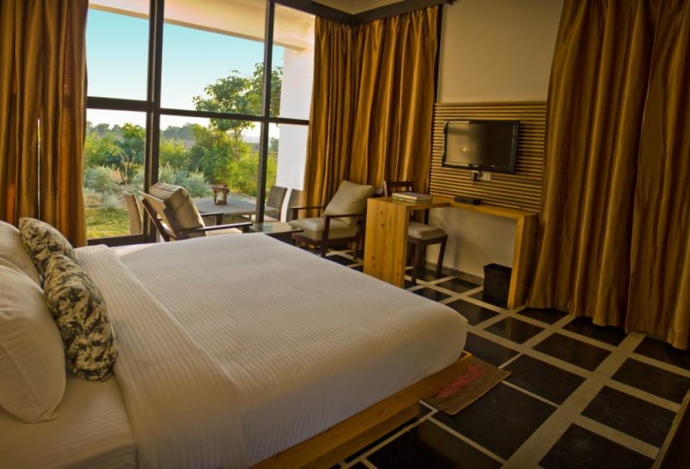 The Golden Tusk Country View Suite