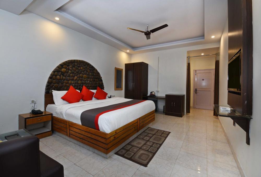 Deluxe Room Corbett Aroma Havens
