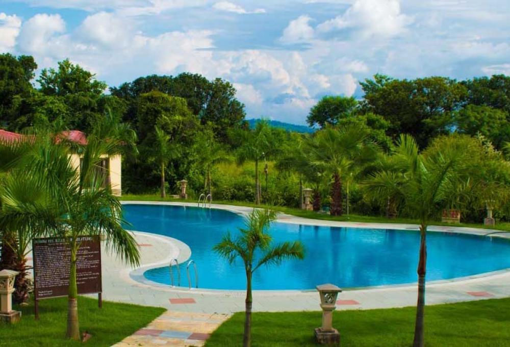 Nadiya Parao Resort swimming pool