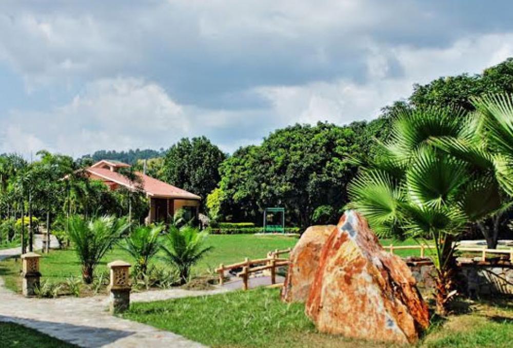 Corbett Wild Iris Spa & Resorts