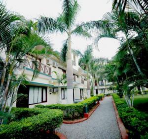 Six Seasons Resort