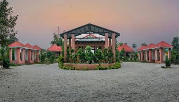 Gajraj Trail Resort Christmas & New Package